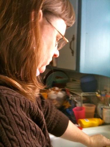 Beth is preparing Christmas dinner.