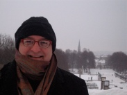 In the Vigelund park, with snow falling on Oslo.
