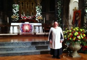 A rather stiff pose in the splendid Grace and Holy Trinity Cathedral, Kansas City, on Christmas Eve 2011.