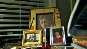 The big picture is Howells.  The smaller photos are niece and nephews.