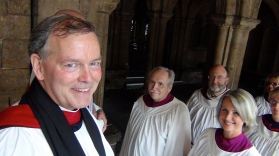 Dean Peter DeVeau with the choir before Saturday Evensong.