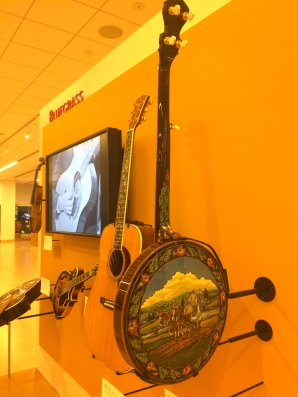 Look at the back of this banjo.