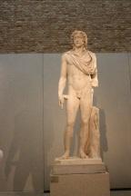 Roman statue. Neues Museum.