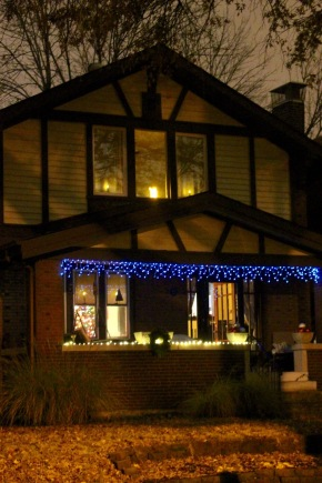 25 Lawn Place, dressed for the season.