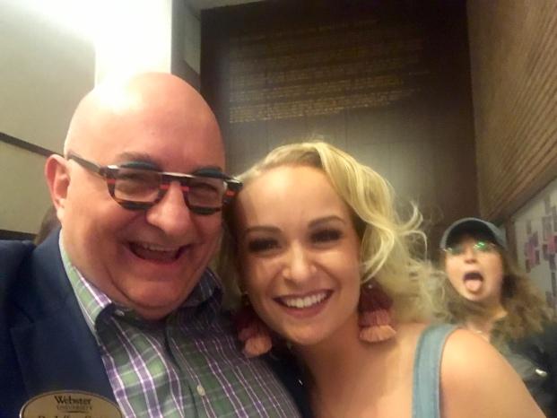 Caroline, plus creeper.