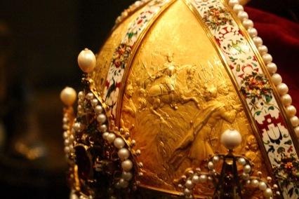 Detail, Habsburg hereditary crown. Prague, 1602.