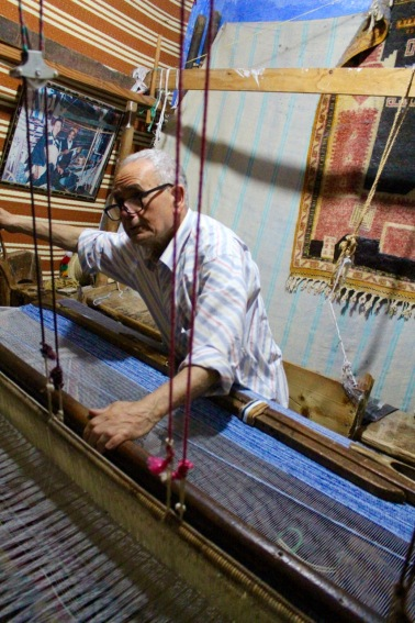 Weaving carpet.